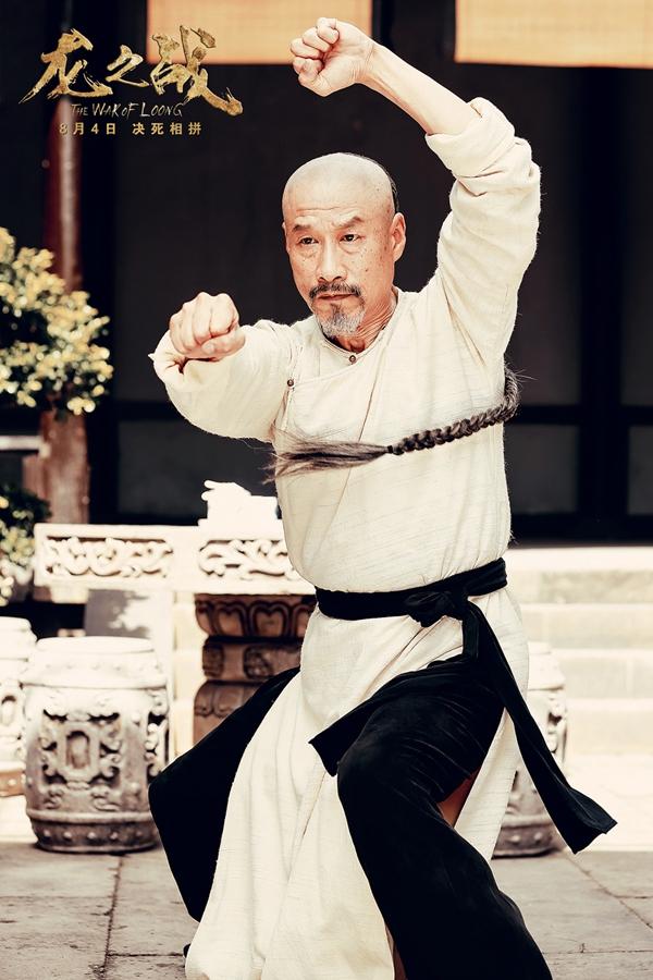 年近六旬的刘佩琦,在电影《龙之战》中以精湛演技获得观众和业内认可。