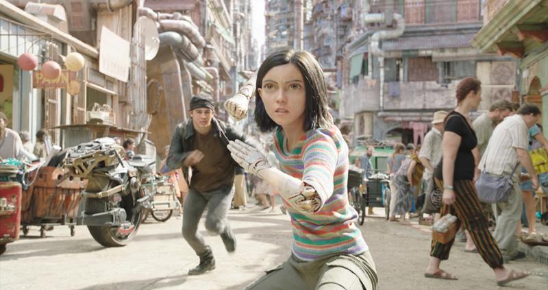 逼真的特效,让全CG制作的主角,无缝对接影片中的真人场景
