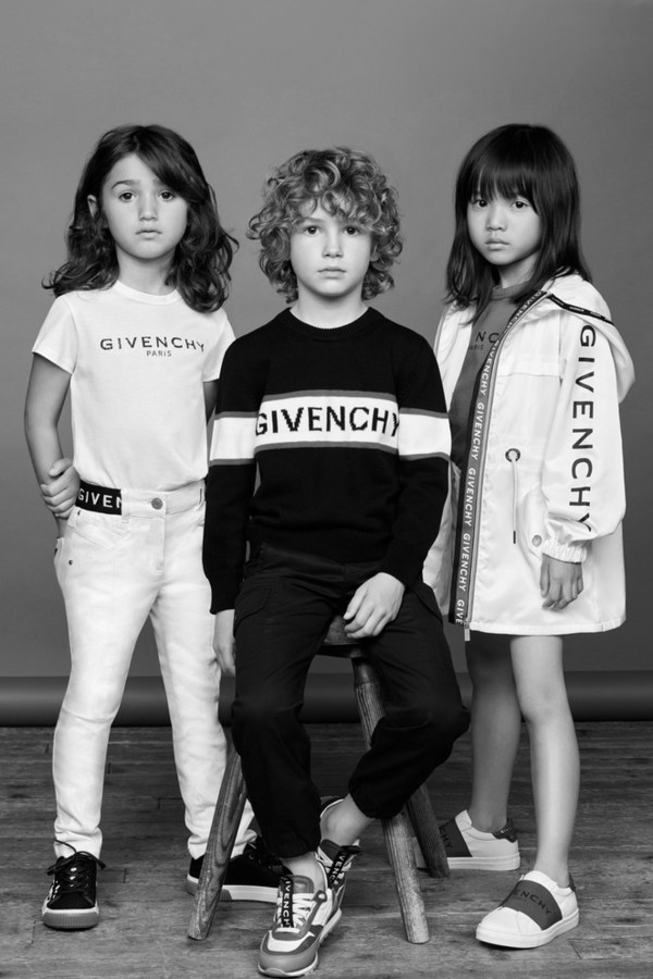 Givenchy Kids:Clare Waight Keller推出她的第一个儿童系列